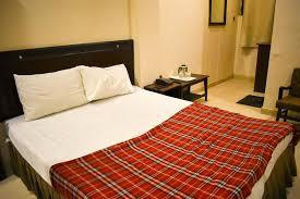 Al Asad Hotel Lahore bedroom