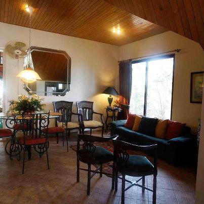 Maisonette Hotel Lahore sitting area