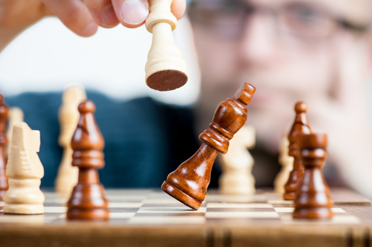 The game of global strategy