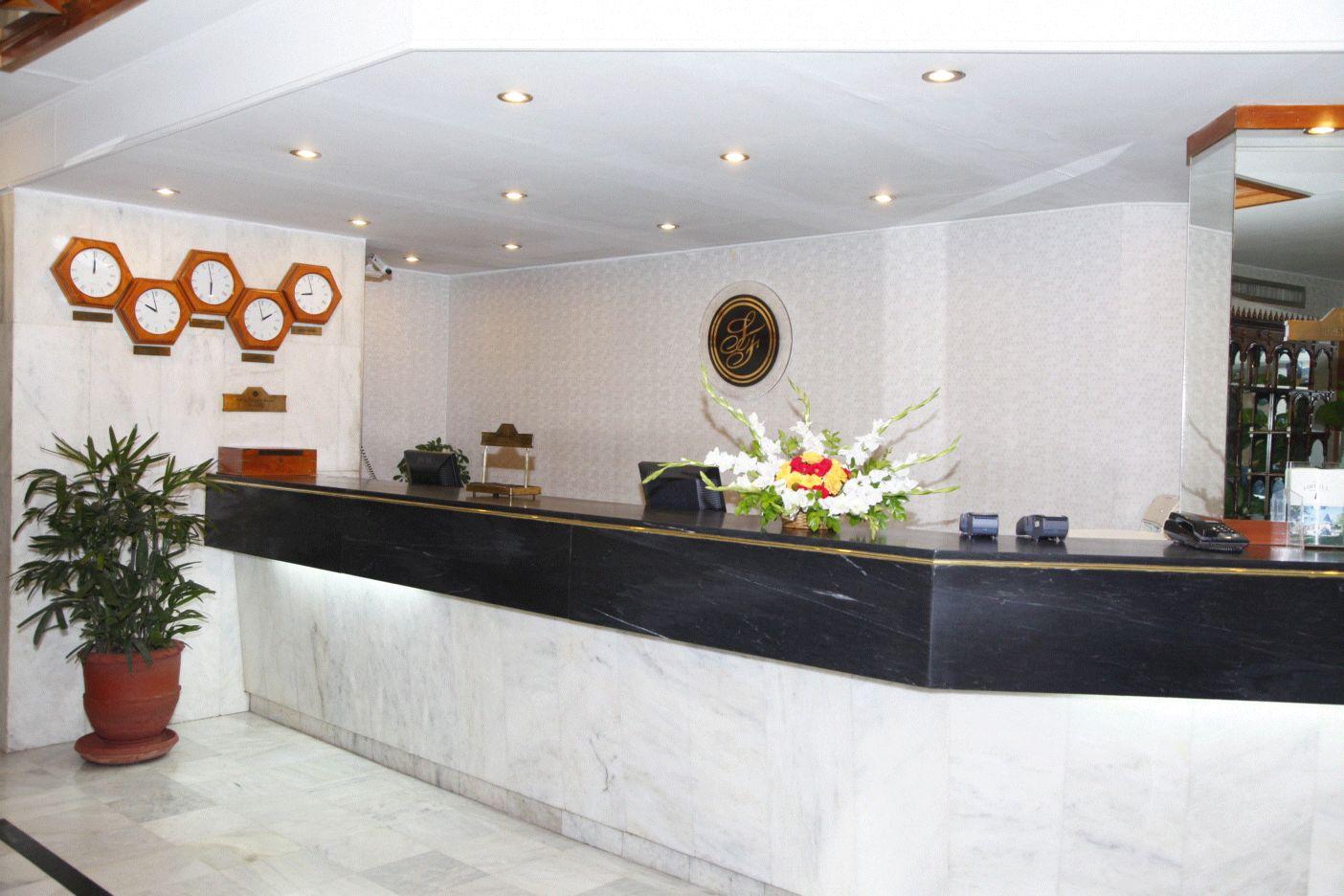 Sunfort Hotel Lahore Reception