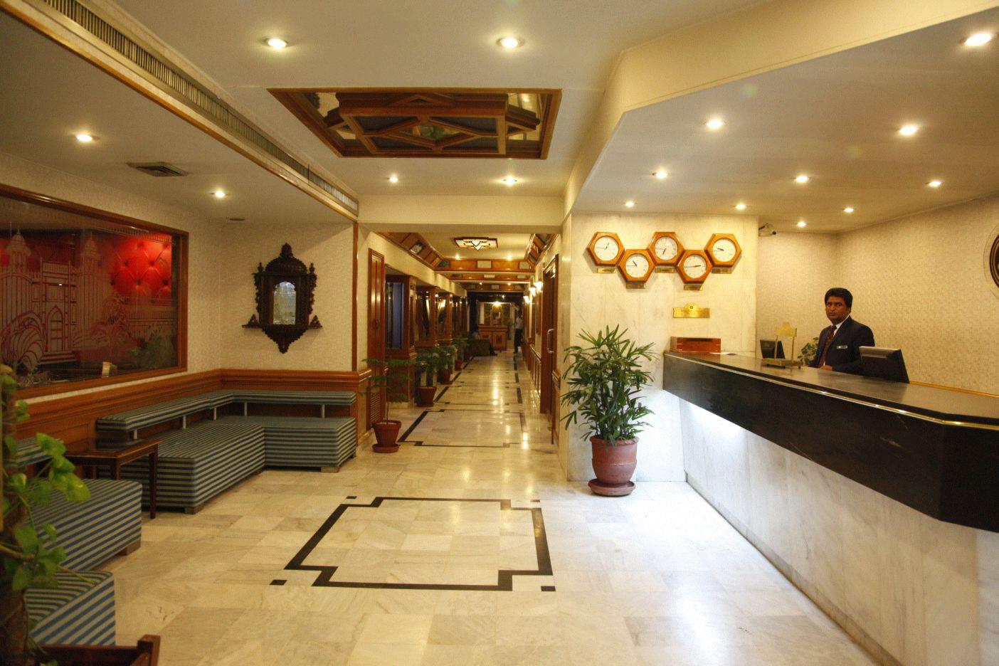 Sunfort Hotel Lahore Lobby